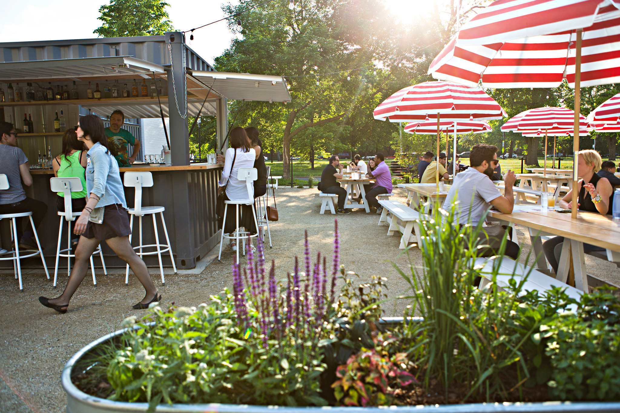 Best outdoor restaurants patios and cafes in chicago for Best outdoor dining