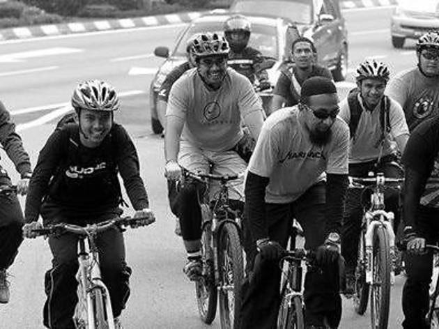 Cycling for Humanitarian Efforts for Syrians 2013