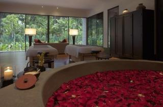 Romantic Bathing Ceremony at The Spa and Med Beauty