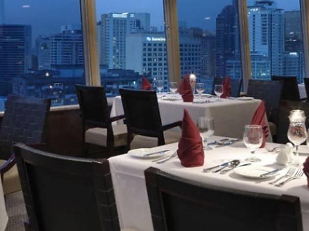 Bintang Revolving Restaurant New Year�s Eve dinner