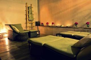 Urban Retreat Spa�s Mid Day Deals package
