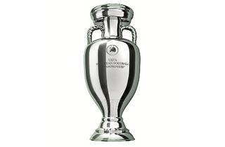 UEFA EURO 2012 trophy viewing