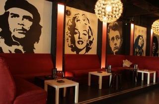 D Legends bar