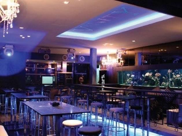 T Club & Bistro