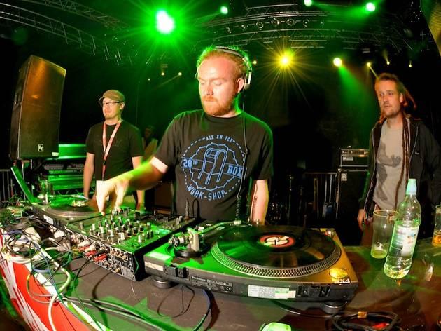 The Bus Dub Academy: Mungo's Hi Fi ft M8CKY Banton