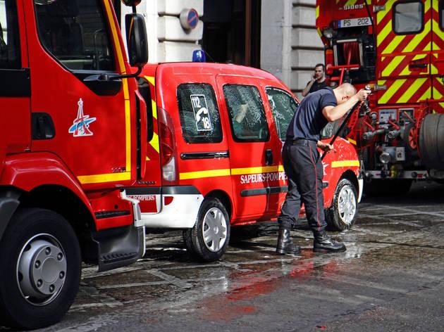 Pompiers de Paris à l'Hôtel de Ville
