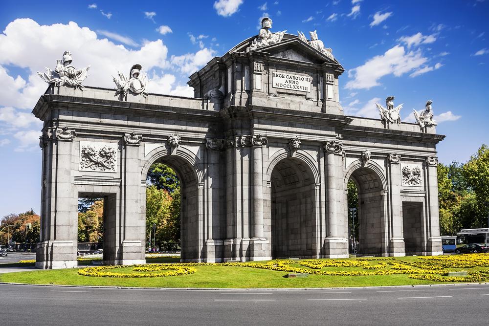 Las dos caras de la Puerta de Alcalá