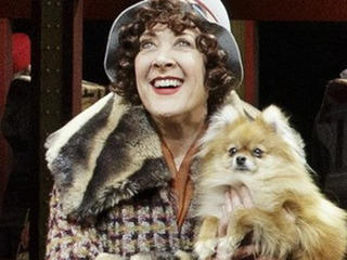 Karen Ziemba and Trixie in Bullets Over Broadway