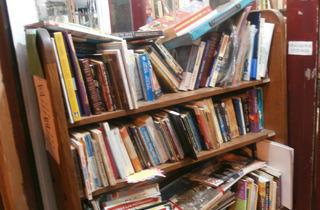 Petra's Internacional Bookshop
