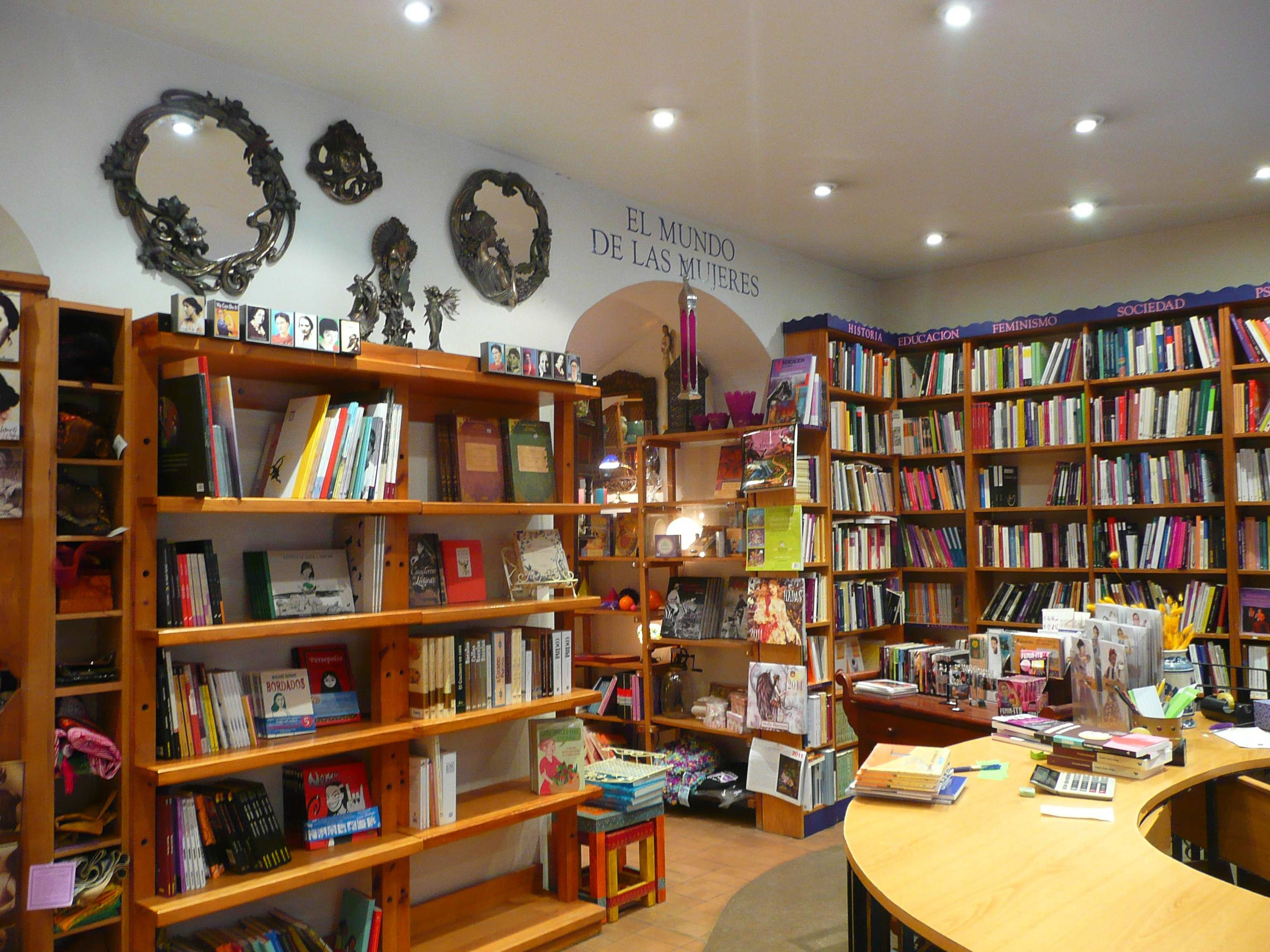 Bookshops in madrid with books in english hard to find editions - Libreria de mujeres madrid ...