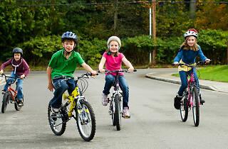Niños y bicicletas