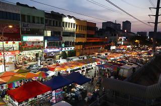Taman Connaught night market