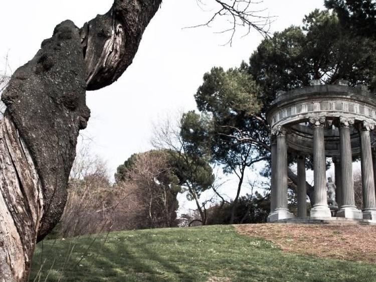 Stroll through the romantic El Capricho park