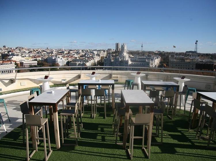 See the best views from Círculo de Bellas Artes
