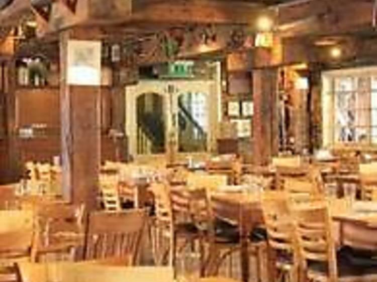 The Dickens Inn, St Katharine Docks
