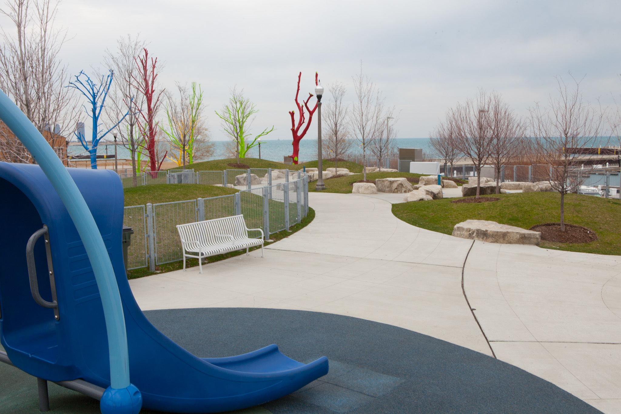 playgrounds in chicago for kids to slide and swing