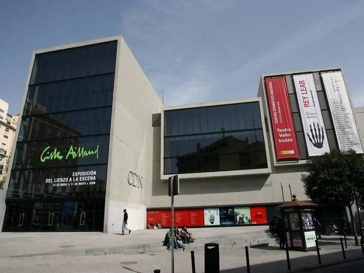 Disfruta de una obra del Centro Dramático Nacional en el Teatro Valle-Inclán