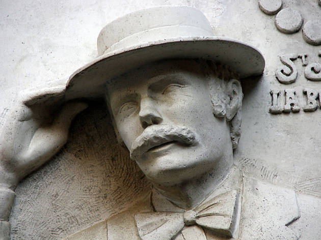 Placa en honor a Ramon Cabau a La Boqueria