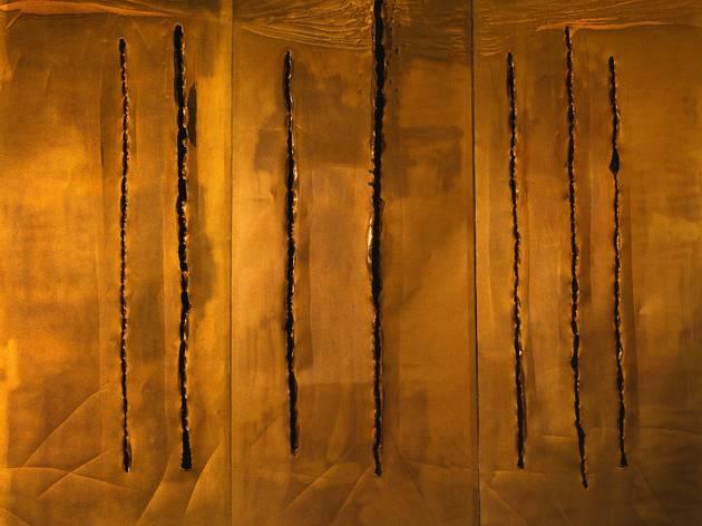 (Lucio Fontana, 'Concetto spaziale, New York 10', 1962 / © Fondazione Lucio Fontana, Milano / by SIAE / Adagp, Paris 2014)