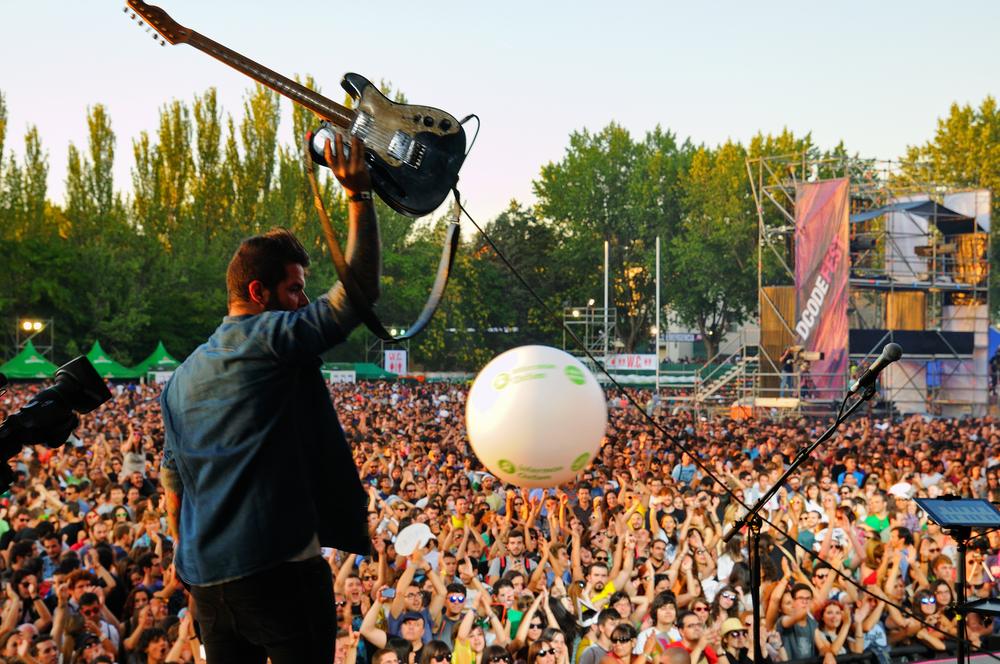 Ve a un festival de música