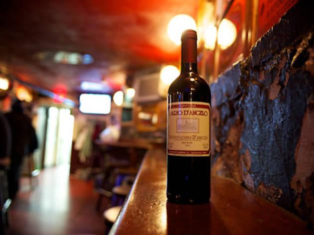 Shays Pub & Wine Bar