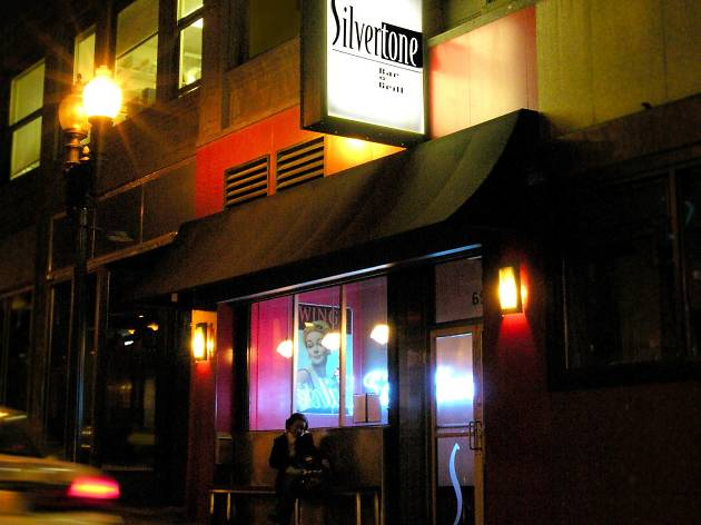 Silvertone Bar Grill Restaurants And Cafes Boston