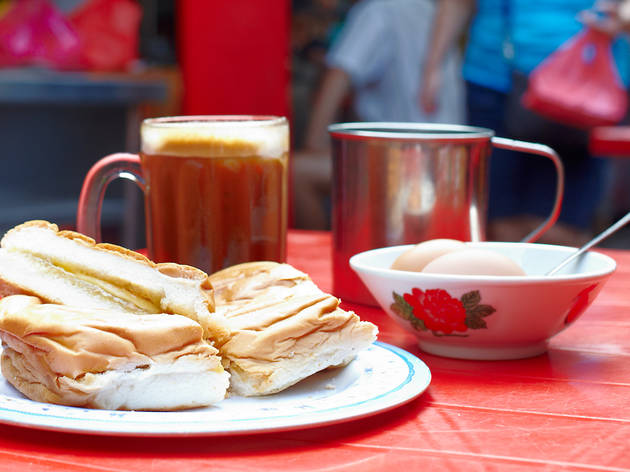 Ah Weng Koh Hainanese tea and polo bun
