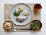 Mackerel with daikon radish at Okonomi