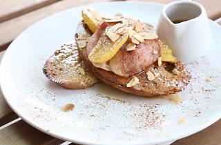 BreadFruits Café