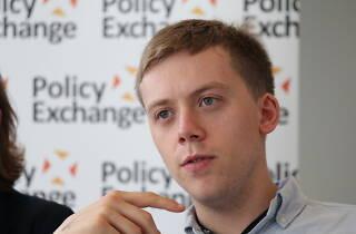 Qui té poder, avui? Conferència d'Owen Jones