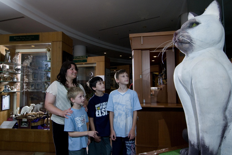 CAT MUSEUM - SARAWAK