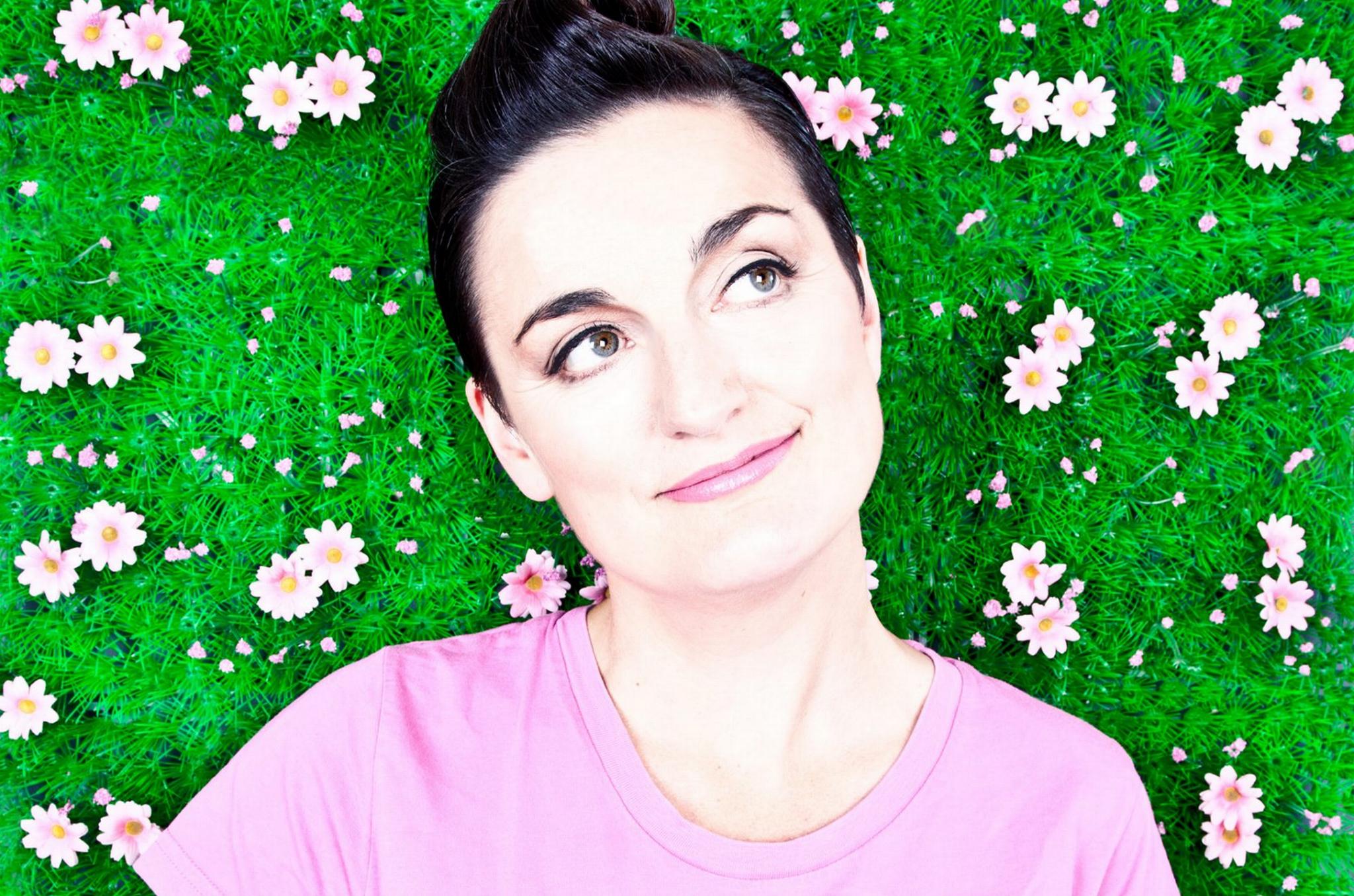 Zoe Lyons: Mustard Cutter