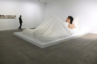 (Vue de l'exposition 'Mémoires vives' (Ron Mueck) / Photo : © TB / Time Out)