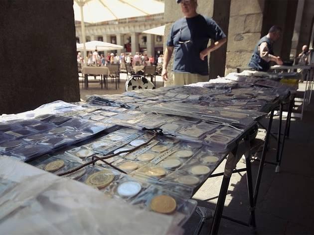 Mercado de sellos y monedas