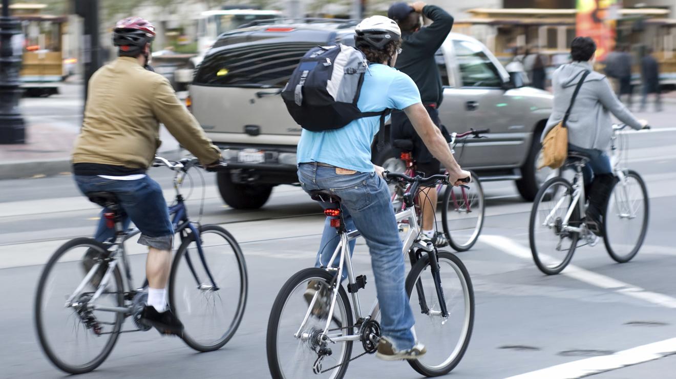 En bici por el DF: cascos al último grito de la moda