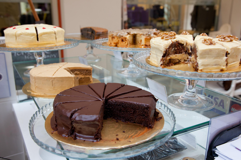 Swich Cafe Whole Cake