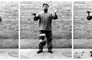 Ai Weiwei ('Dropping a Han Dynasty Urn', 1995)