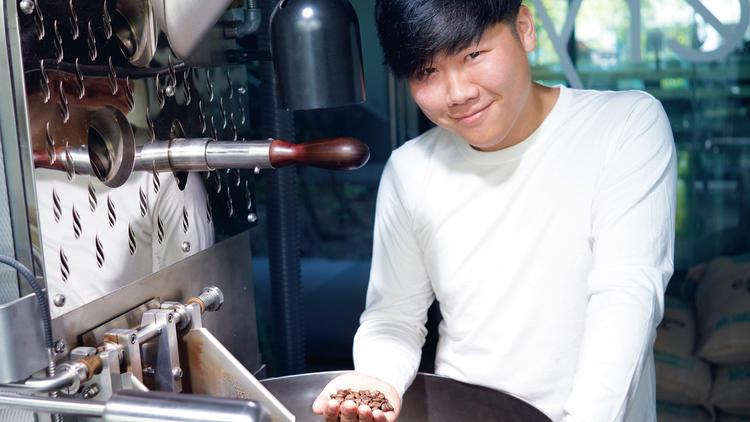 Joey Mah, roaster and coffee profiler for Artisan Roastery. Photo: Kahmun/Mythstudio