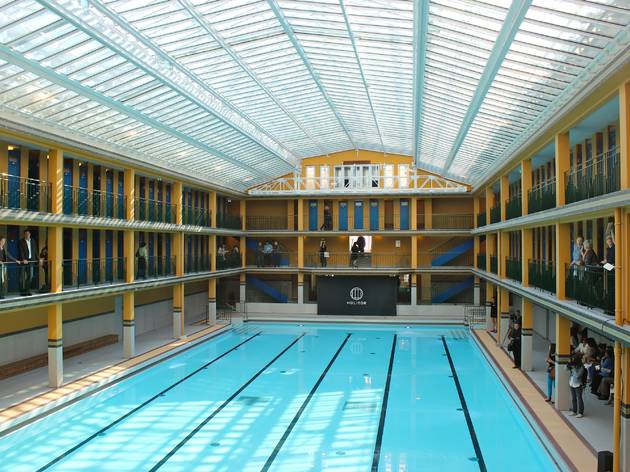 Piscine molitor sport and fitness in 16e arrondissement for Piscine 50m paris
