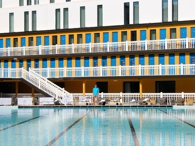 Piscine molitor sport and fitness in 16e arrondissement for Piscine molitor