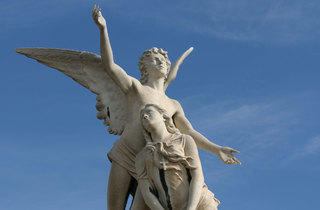 Ángel de Fabiani (Cementerio de Poblenou)
