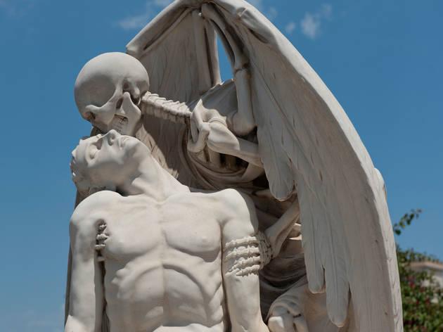 El beso de la muerte (Cementerio de Poblenou)