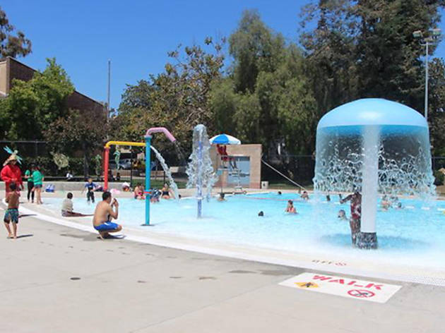 Best swimming pools for kids in the Los Angeles area