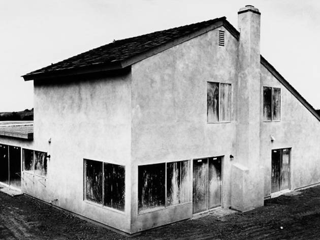 (Lewis Baltz, 'Tract House no. 4', 'The Tract Houses', 1969-1971 / © Lewis Baltz, courtesy Galerie Thomas Zander, Cologne)
