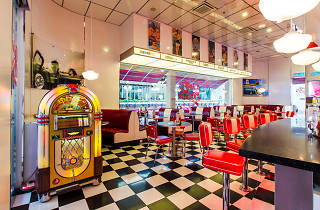 Johnny Rockets The Curve