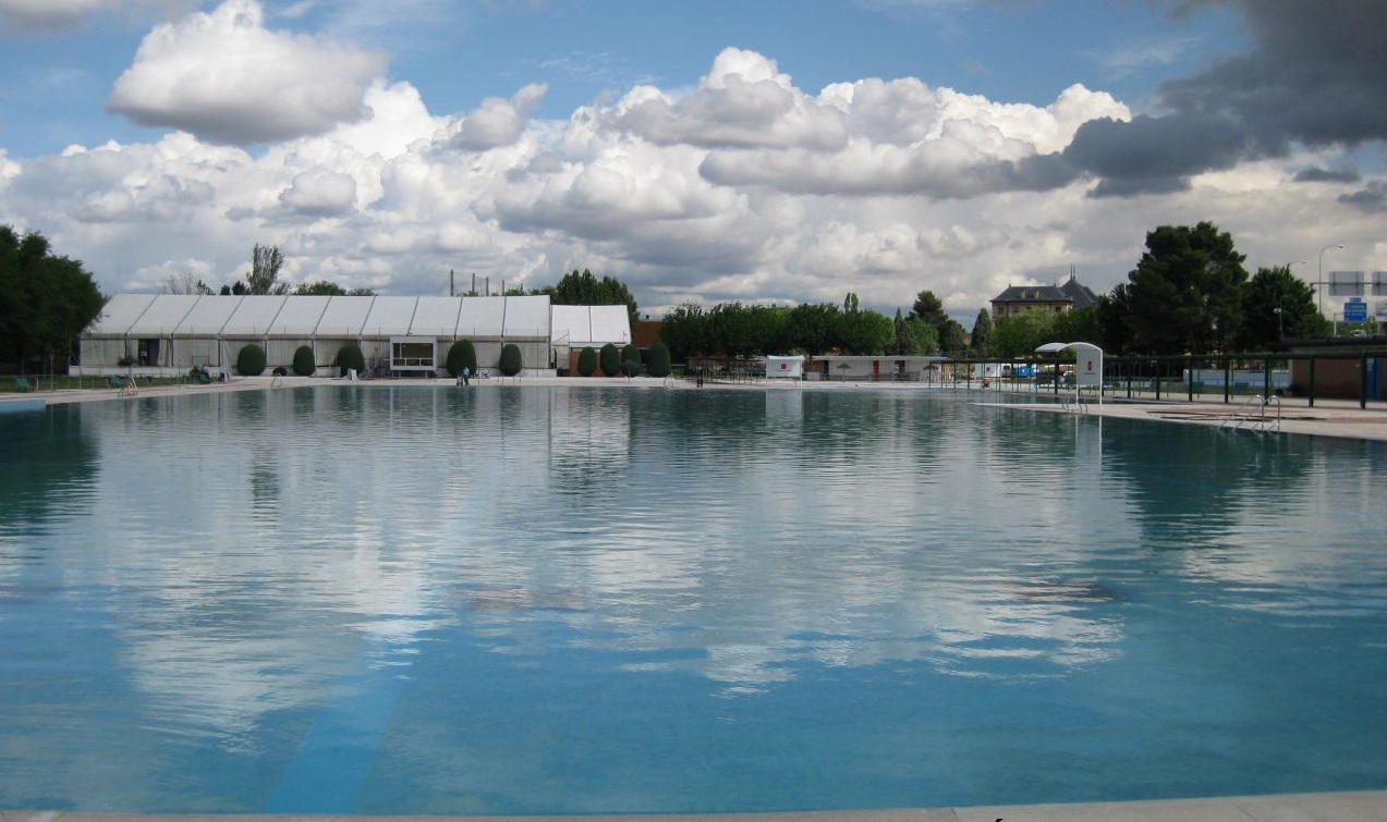 top public swimming pools in madrid when where how much