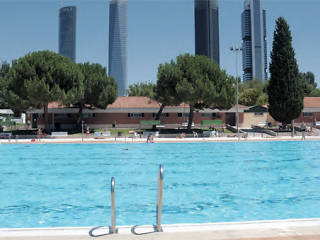 Top public swimming pools in madrid when where how much for Piscina municipal vicente del bosque