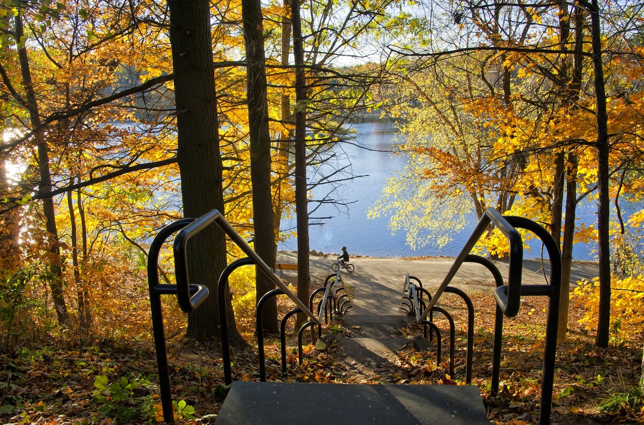 Jamaica Pond, Sights and attractions, Boston