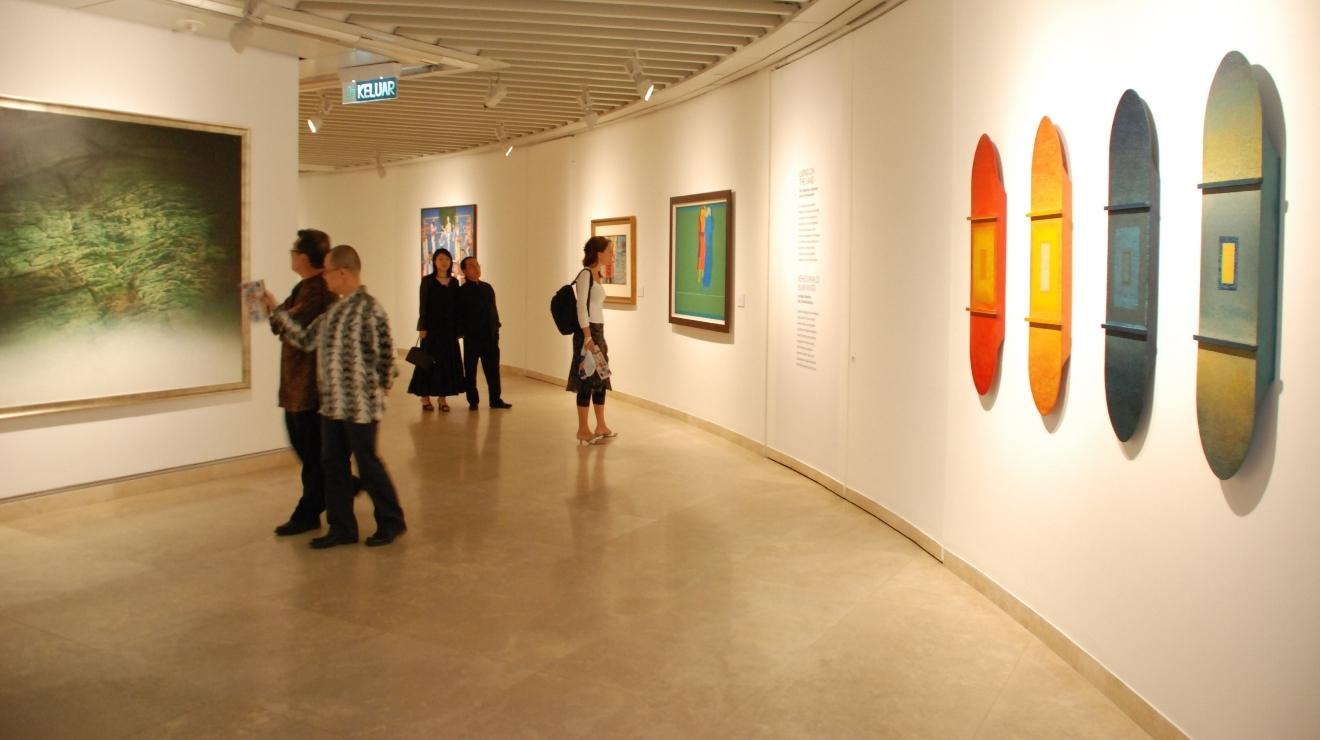 Image result for galeri petronas