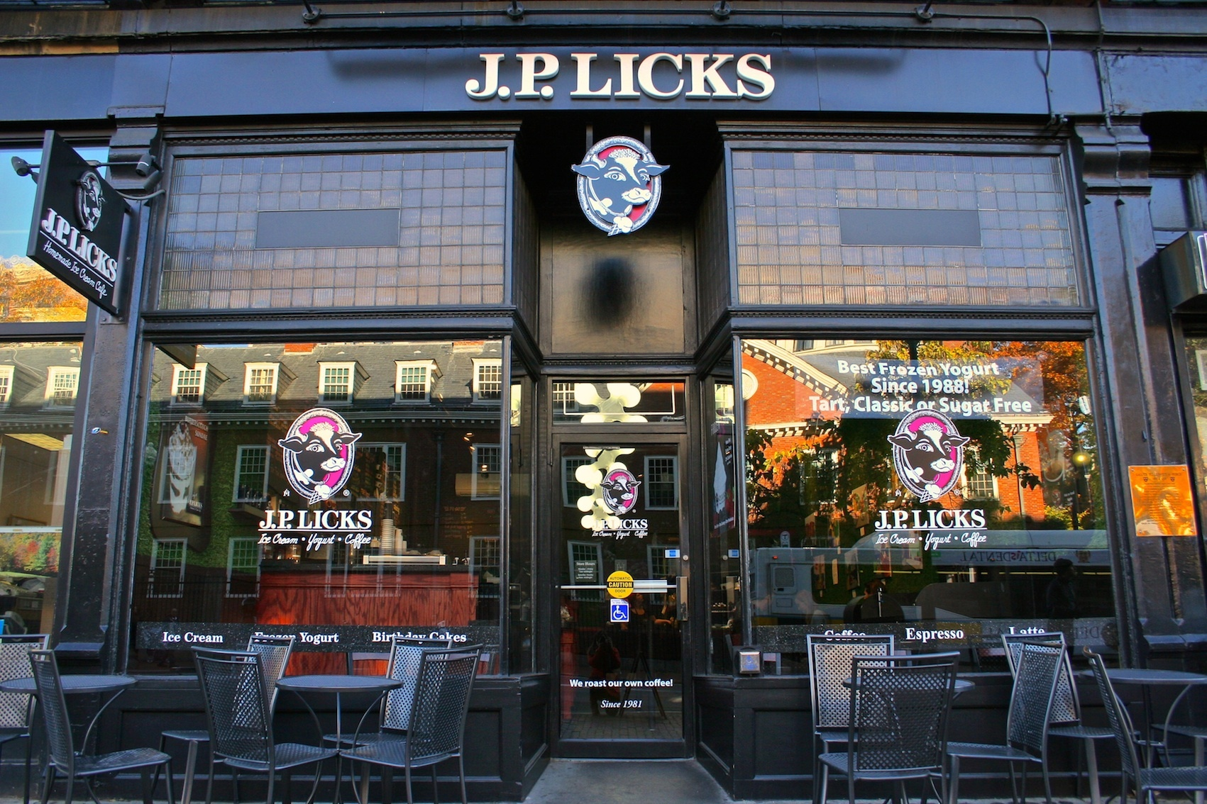 J.P. Licks, Shopping, Boston